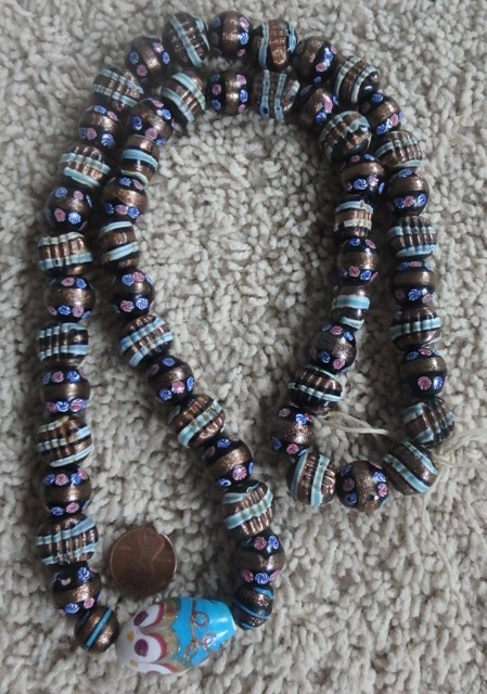 bead_necklace_1.JPG (130.1 KB)