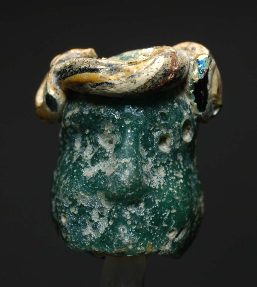 11_Hellenistic_peirod_331-64_BC_.PHOENICIAN_Small_head_pendant._Aegean_region,_possibly_Rhodes_and_or_Cyprus_3rd-2nd_BC.jpg (108.1 KB)