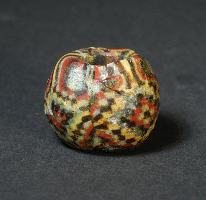 12_Roman_period_64_BC-330_AD_Egypto_Roman_Eastern_Mediterranean_1st_2nd_AD_Checkerboard_bead._Early_Roman_period_and_Later.3.jpg (118.9 KB)