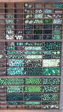 1_drawer_of_beads_(9)_(253x450).jpg (165.8 KB)