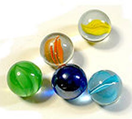 220px-Balls_of_glass.jpg (94.7 KB)
