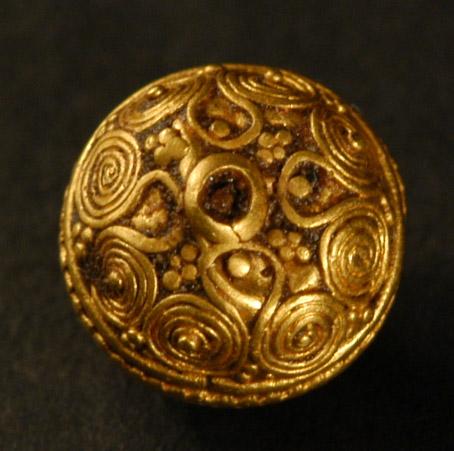 6_Late_Bronze_Age_1600-1200_BC._Spherical_gold_work_bead._Ur_7.60mm-8.25mm._A.jpg (103.7 KB)