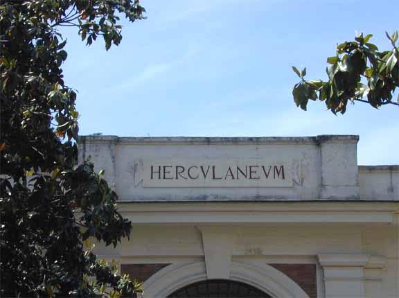732_Herculaneum.jpg (49.2 KB)