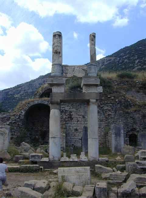 952_Ephesus.jpg (45.4 KB)