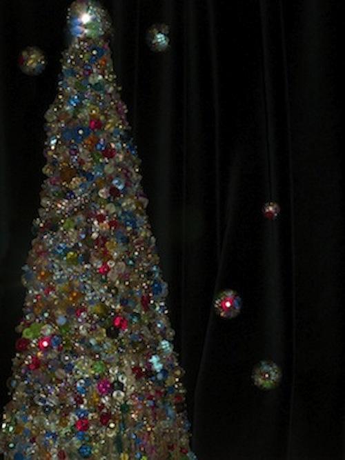 Christmas_beads.jpg (81.3 KB)