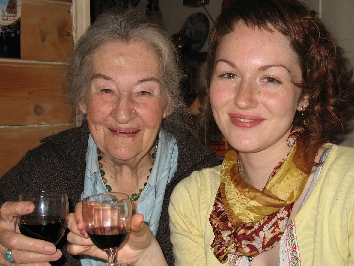 Grannie_Jessamie_and_me,_2010.jpg (235.7 KB)