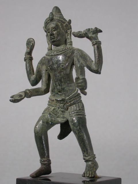 KH10m:Vishnu:Khmer:C12.jpg (34.1 KB)