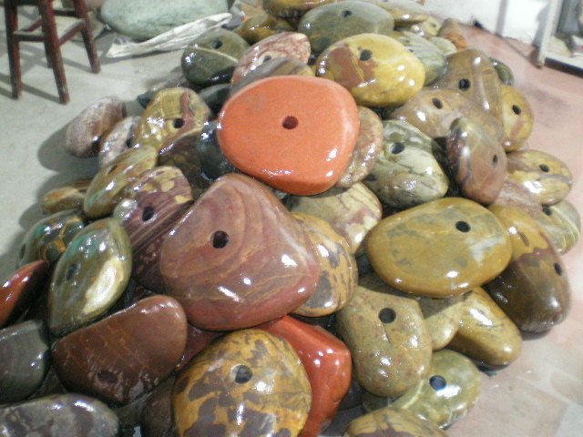 Natural-Multi-Colour-Stone-with-drilled-holes.jpg (69.5 KB)
