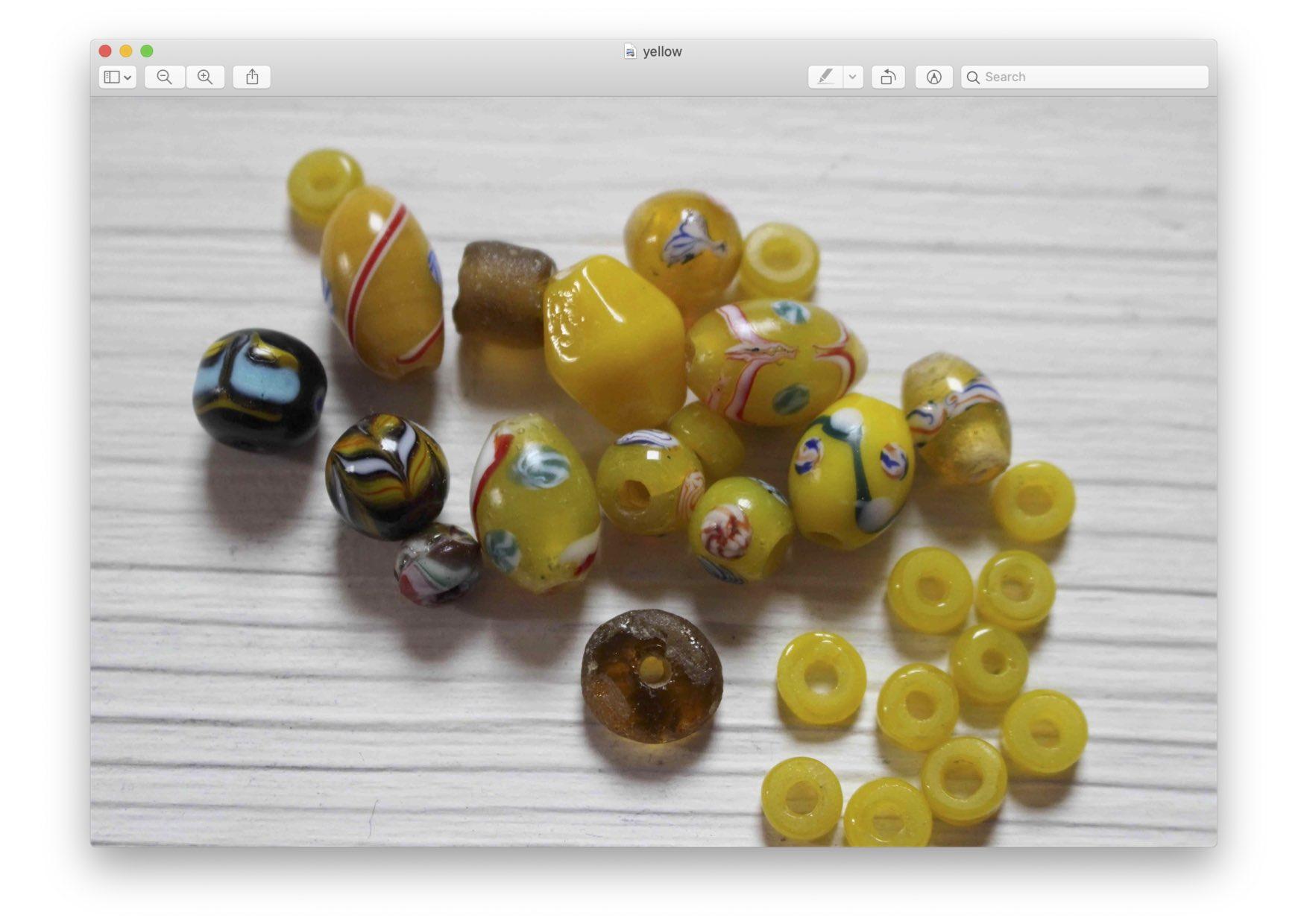 yellowbeads.jpg (169.8 KB)